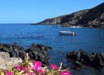 Cala Gadir di Pantelleria.jpg