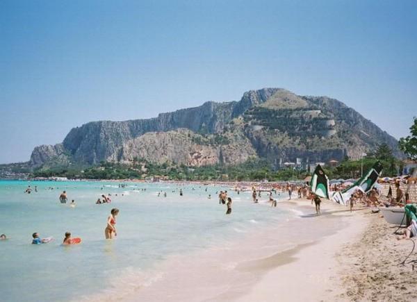 Matrimonio Spiaggia Mondello : Spiaggia mondello di palermo qspiagge