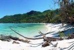 Spiaggia Anse Marie Louise di Mahè.jpg