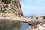 Spiaggia S'Illa des Bosch di Ibiza.jpg