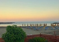 Spiaggia baia azzurra di Santo Stefano.jpg