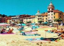 Spiaggia San Terenzo Lerici.jpg