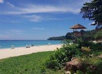 Spiaggia Hat Surin di Phuket.jpg