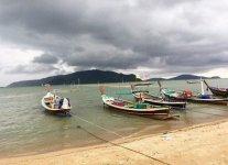 Spiaggia Chalong Beach di Phuket.jpg