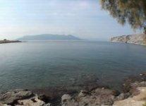 Spiaggia Perdika di Egina.jpg