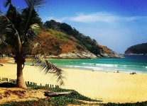 Spiaggia Hat Nai Harn di Phuket.jpg