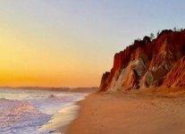 Spiaggia della falesia.jpg