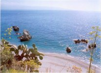 Spiaggia Capo Alì Terme.jpg