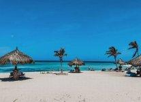 Spiaggia Arashi Beach di Aruba.jpg