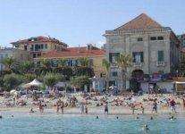 Spiaggia di Finale Ligure.jpg
